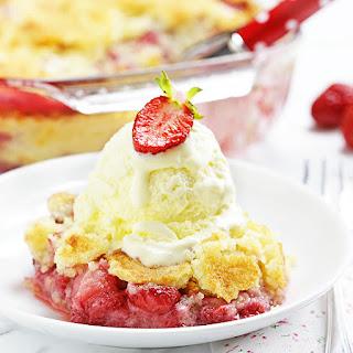 Strawberry Dump Cake Recipe