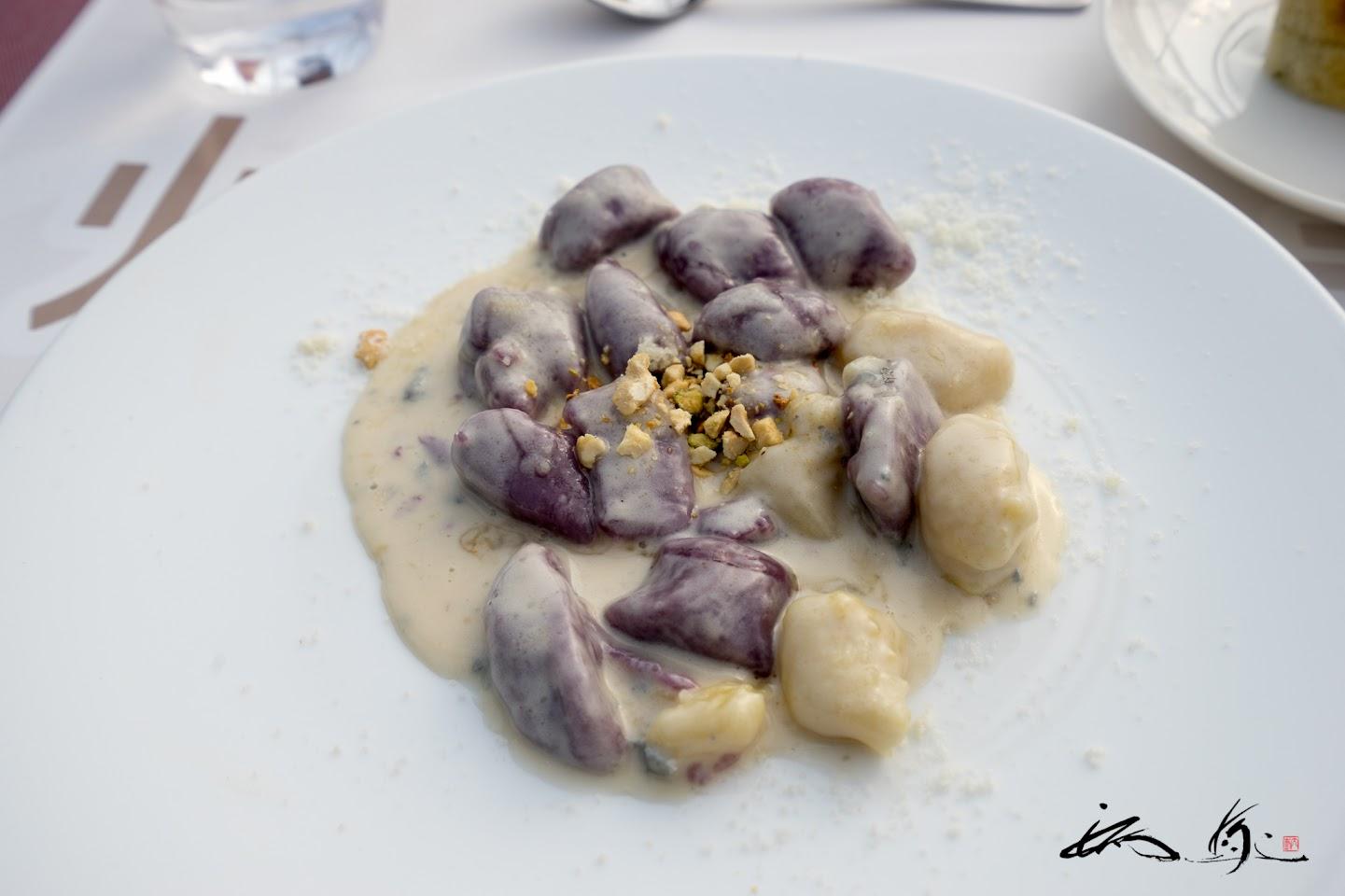 紅芋とさつま芋のニョッキ、ゴルゴンゾラソー