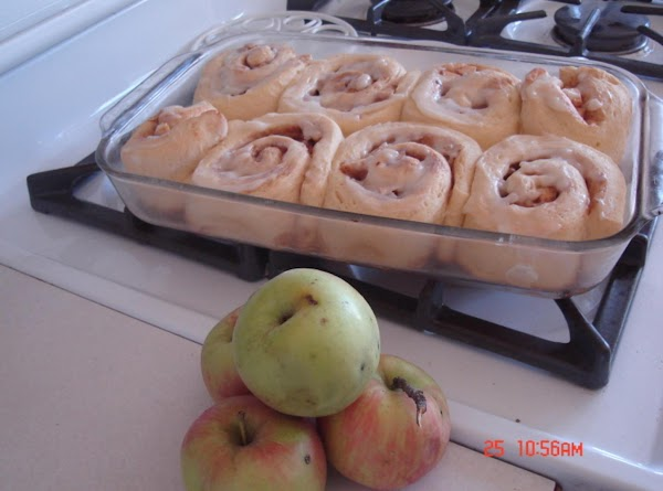 Fluffy Fall Harvest Apple Cinnamon Buns Using Bread Maker Recipe
