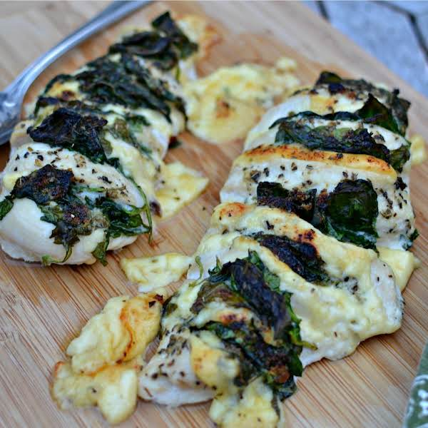 This Super Simple Hasselback Chicken Is Made Flavorful With Gouda Cheese And Fresh Baby Spinach. The Spinach Helps Keep The Chicken Moist While The Gouda And The Herbs Infuse Flavor.