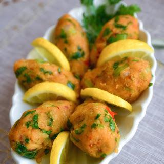 Turkish Lentil Balls (Mercimek Köfte)