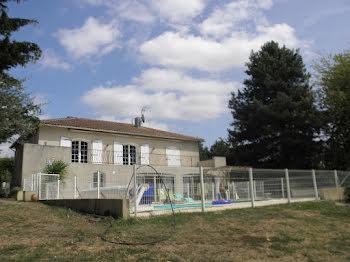 maison à Bressuire (79)