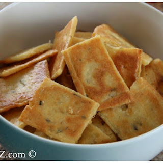 Low Carb Cheese Crackers Recipe (Keto Friendly).