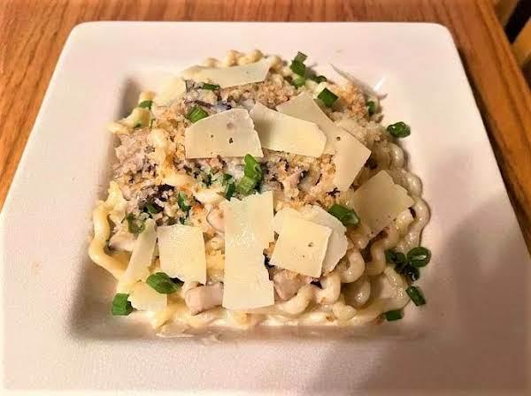 Pasta With Mushrooms & Mascarpone
