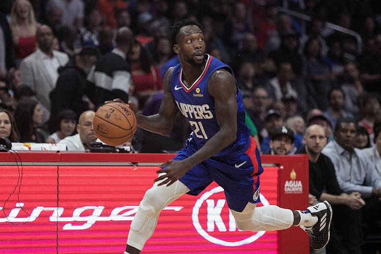 LA Clippers halen het in topper van Phoenix Suns, Dallas Mavericks stunten tegen Milwaukee Bucks
