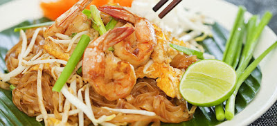 Learn how to cook fried noodle Thai style (Pad Thai)