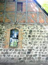 Photo: Risse im Mauerwerk der Dorfkirche Kraase bei Möllenhagen  Innenrestaurierung im Jahre 2004