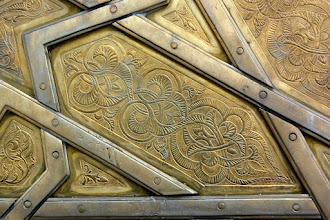 Photo: The hand crafted doors to the Royal Palace