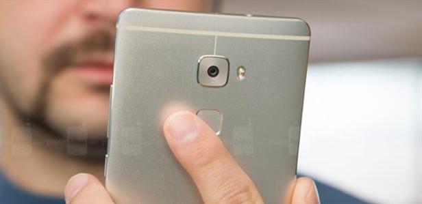 Полиция изготовила на 3D-принтере копии пальцев жертвы, чтобы разблокировать смартфон