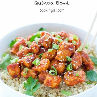 Honey Sriracha Chicken Quinoa Bowl.