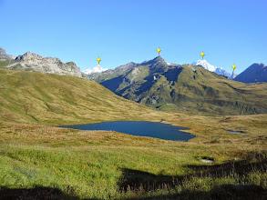 Photo: Panorama dal colle sul sottostante Lago Verney all'orizzonte da SX: Aiguille de Glacier 3816m.-M.Berrio Blanc 3252m.-M.Bianco 4808m.-Aiguille Noire 3773m.