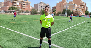 Roberto Iniesta Brizuela después de pitar su último partido senior.