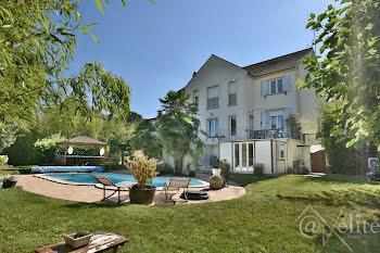 villa à Chessy (77)