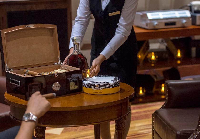 wine & cigar bar FLC Luxury Hotel Quy Nhơn