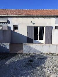 maison à Sénas (13)