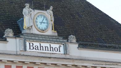 """Photo: """"Drahtzieher und Bergmann""""; Hauptbahnhof"""