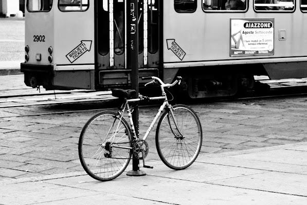 Tram vs Bike di simotor