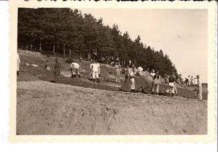 Photo: 9-1-40 Milec. Construction of nine guard stands near Milec