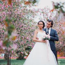 Wedding photographer Marina Gusarova (mariwkavladi). Photo of 11.04.2016