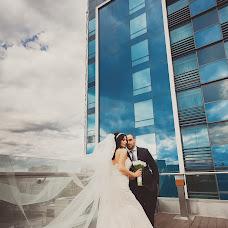 Wedding photographer Oleg Roganin (Roganin). Photo of 28.01.2018
