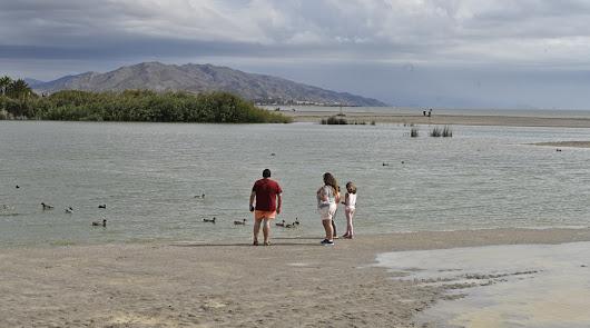 Patos en el río, nudistas en La CañitaLoca y sandías en piscina