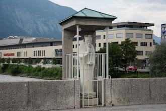 Photo: Tego Janka zamknęli w klatce.