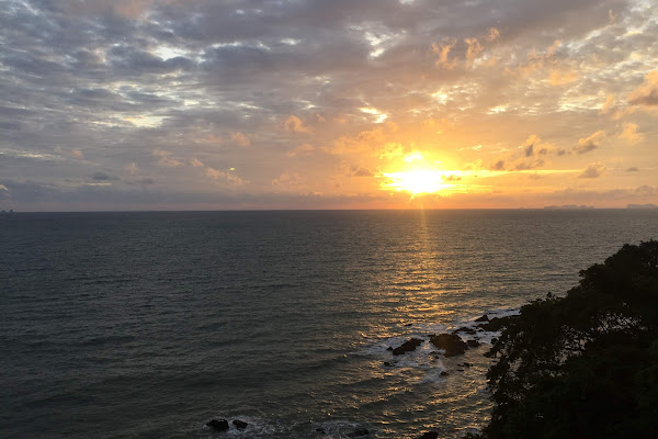 Enjoy the sunset at the lighthouse on Koh Lanta