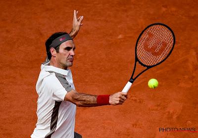 Federer verliest eerste set, maar walst dan over Zuid-Afrikaan op Wimbledon