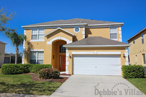 Kissimmee villa, gated community, close to Disney, west-facing pool and spa, lake view, games room