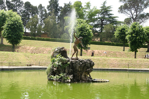 fountain-of-the-fork-boboli-gardens.jpg - The Fountain of the Fork at Boboli Gardens in Florence.