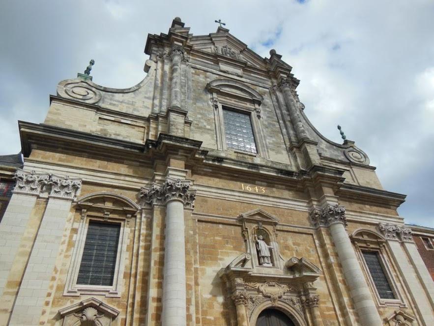 Iglesia de Santa Walburga (Sint-Walburgakerk)