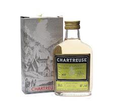 Photo: Une flask de Jaune et sa boite. Années 1980.
