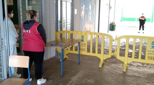 Punto de entrega de comidas del plan Syga en un centro de Almería.