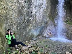 Dentro la cascata