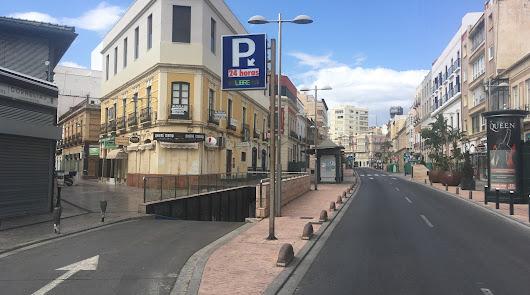 Avenida de Obspo Orberá, una de las calles céntricas de Almería.