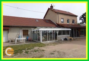 maison à Saint-Sylvestre-Pragoulin (63)