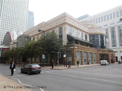 Austin Reed On Cabot Place East Fashion Shops In Canary Wharf London E14 4qs