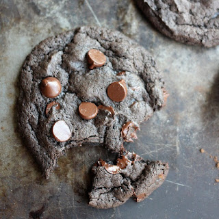 Spicy Dark Chocolate Cookies with Cinnamon