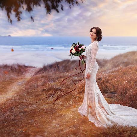 Wedding photographer Ekaterina Skorobogatova (mechtaniya). Photo of 08.02.2018