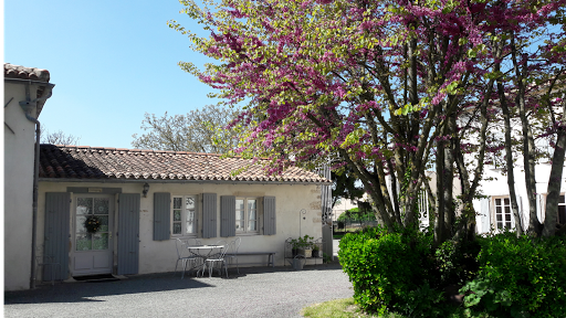 B&B Cottage at Le Clos de la Garenne guest house for a family of 5 fully accessible to the disabled