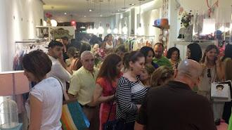 La tienda de Dolores Promesas de Almería en una de las actividades que organizan.