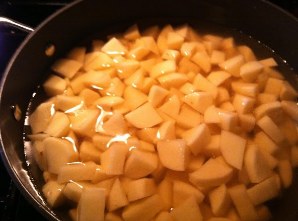 PUT DICED POTATOES IN A LARGE SOUP POT N COVER WITH CHICKN BROTH, COVER...