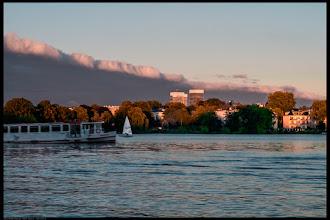 Photo: Hamburg liegt an der Alster