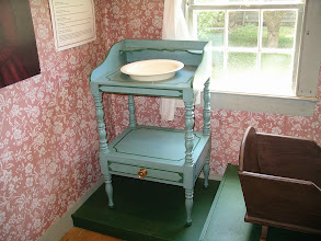 Photo: washstand, Fitch house