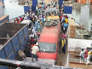 Photo: stolica Gambii – Banjul.- prom na rzece Gambia łączący północną i południową cześć kraju - wracamy do Senegalu