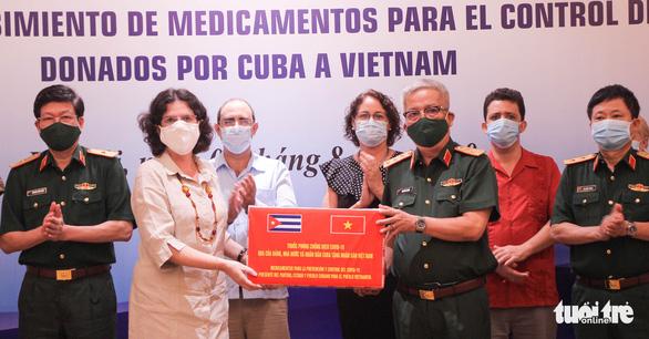 Cuba tặng thuốc, cử chuyên gia sang tận Đà Nẵng hỗ trợ chống dịch - Ảnh 1