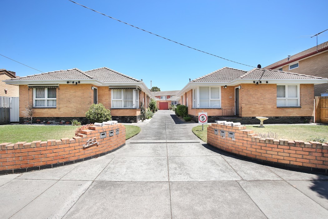 Main photo of property at 2/135 Grange Road, Glen Huntly 3163