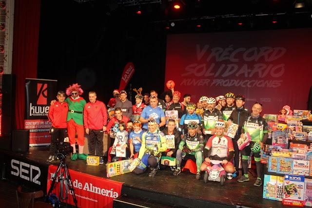 La Agrupación Ciclista Almeriense aportó más de 300 juguetes.