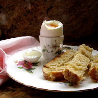 Perfect Soft Boiled Eggs with Soldiers!.