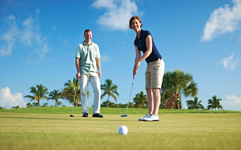 Putting on the Grand Lucayan's Reef Course.